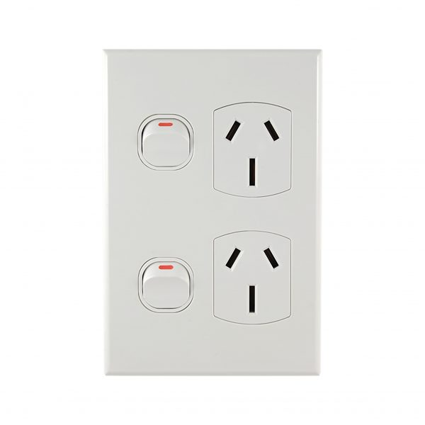 15A Vertical Power Point Double 240V AC WHITE | GEO Series
