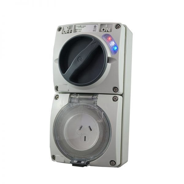 Switched Socket Outlet 3 Pin 15A 250V AC IP66